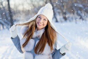 Как помочь волосам пережить зиму?